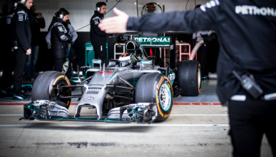 Vídeo:  Así prueba Jorge Lorenzo el Mercedes F1