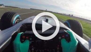 Vídeo: ¡súbete al nuevo Mercedes W07 con Nico Rosberg!