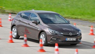 Opel Astra vs Peugeot 308