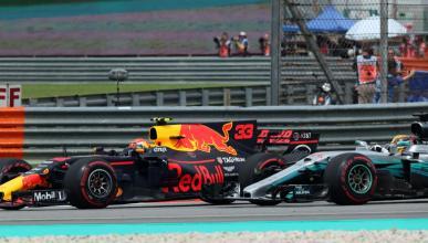 Verstappen bate a Hamilton en malasia
