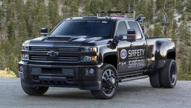 Chevrolet Silverado 3500HD NHRA Safety Safari Concept