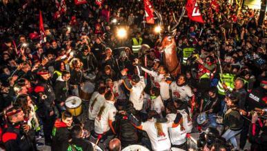 Marc Márquez Celebra título en Cervera. Fotos: Twitter.