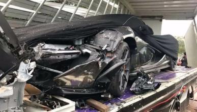 McLaren P1 accidente camión transporte
