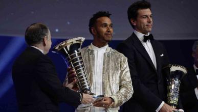 Lewis Hamilton y Toto Wolff en la Gala de la FIA