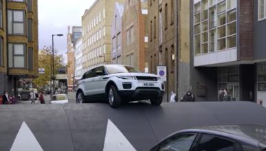 Range Rover Evoque y el badén más grande del mundo