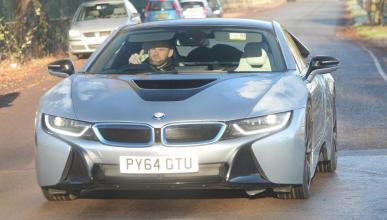 El futbolista Wayne Rooney vende su BMW i8