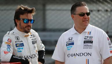 Zak Brown y Fernando Alonso