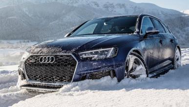 Audi RS 4 Avant en nieve