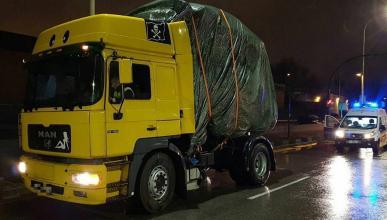 Camión detenido por la Guardia Urbana de Barcelona.
