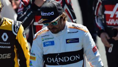 Fernando Alonso, en el paddock de Australia