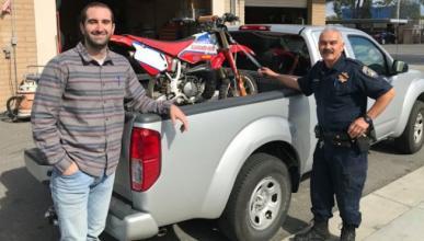 Recupera su moto 17 años después