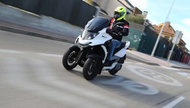 Prueba Quadro3, la moto suiza de tres ruedas