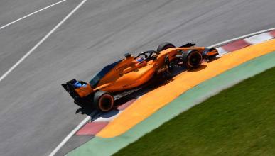 Alonso adelanta a Raikkonen