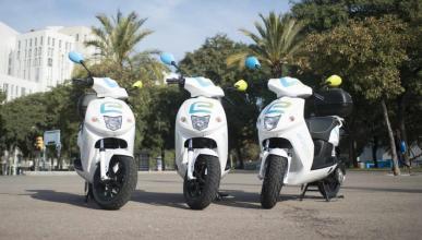 Alquilar moto eléctrica vs coche Car2go qué es más barato
