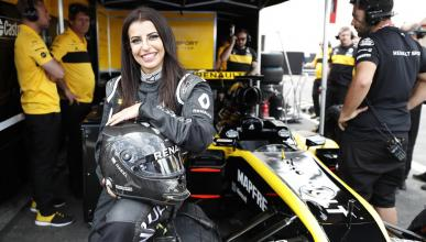 Mujer saudí prueba un F1