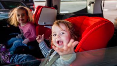 Los 11 motivos por los que se inmoviliza un coche en el acto sillitas