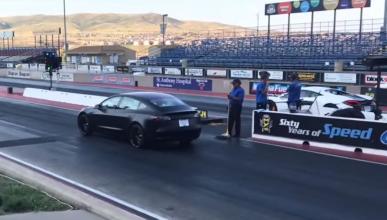 Tesla Model 3 vs McLaren 570S