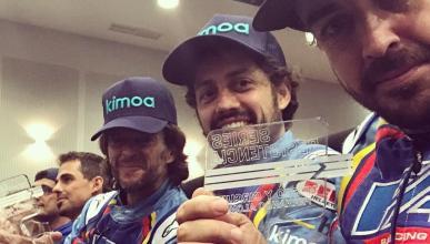 Alonso y su equipo de karting