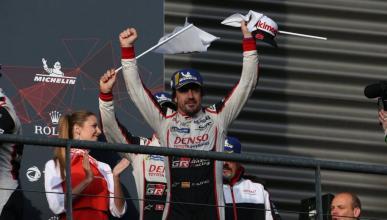 Fernando Alonso, en el podio de Spa