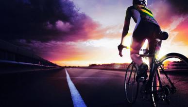 ¿Se puede cruzar un paso de cebra montado en bicicleta?
