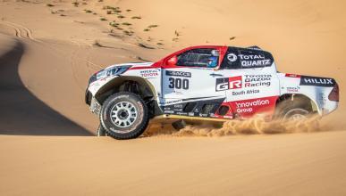 Fernando Alonso prueba el Toyota del Dakar en Namibia