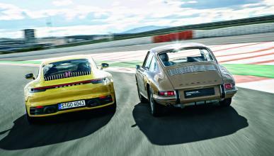ocho generaciones del Porsche 911 en circuito