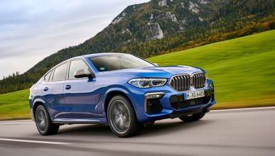 BMW X6 M50i 2020 en movimiento