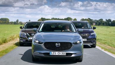 Comparativa del Mazda CX-30 vs Opel Grandland X y Nissan Qashqai