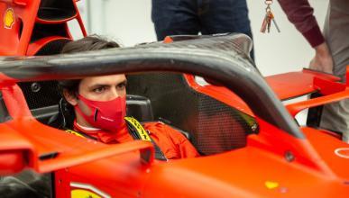 Carlos Sainz visita Ferrari