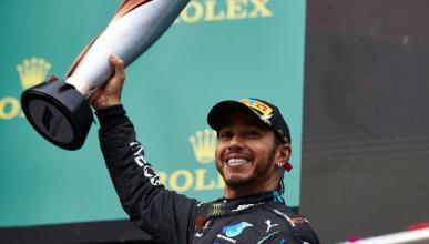 Lewis Hamilton trofeo