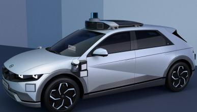 Tres robot-coches