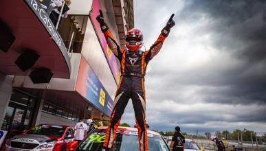 Mikel Azcona campeón TCR Europa