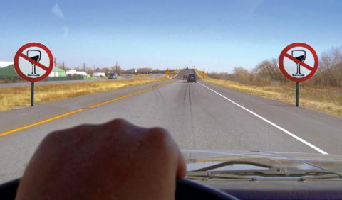 Un conductor multiplica por seis la tasa de alcohol permitida