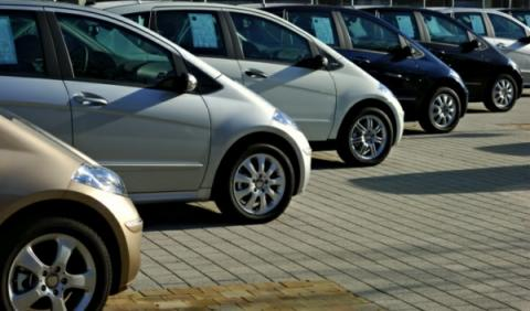 Multan al BBVA por publicidad engañosa de un coche