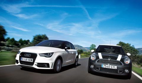 Audi-A1-Mini-Cooper-S-movimiento-frontal