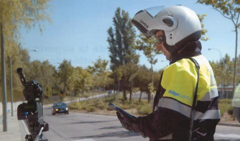 La DGT no puede multar en vías urbanas