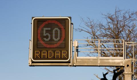 Mueven los radares que más recaudan en Cataluña