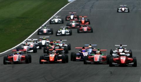 Estudiantes diseñan mini Fórmula 1