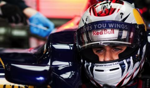 Alguersuari no conocerá su futuro en la F1 hasta fin de año