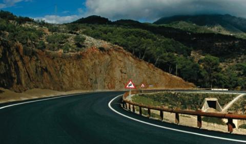 La DGT propone el límite a 90 km/h en toda carretera convencional