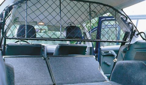 Barras fijas para viajar con perro en el coche