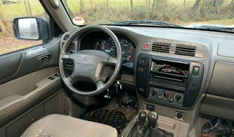 Nissan Patrol GR 2.8 TurboD, Typ Y61 de segunda mano interior