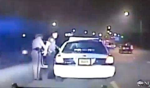 policía arresta a otro policía