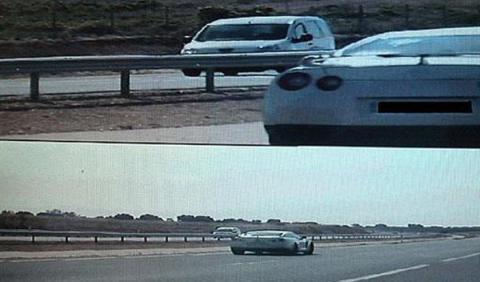 Nissan GT-R a 225 km/h