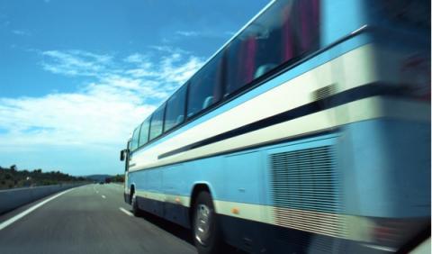 La DGT vigila el uso del cinturón en el transporte escolar