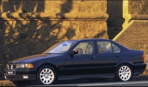 Un BMW Serie 3 de los años 90