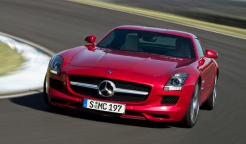 Los coches de la Universidad George Washington: Mercedes SLS AMG