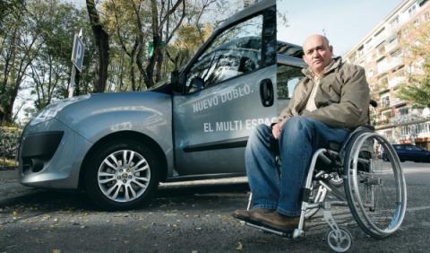 discapacitado al volante de su coche