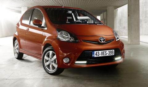 Toyota Aygo 2012 delantera