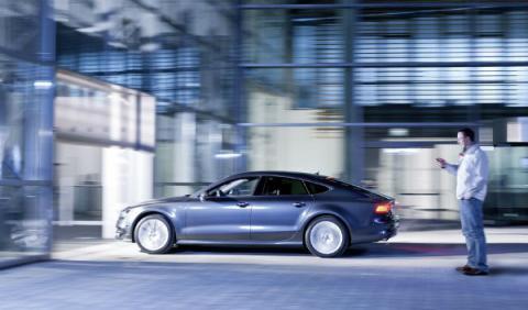 Audi crea el aparcamiento pilotado con smartphone